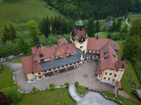 Hochzeit Schloss Kassegg von oben